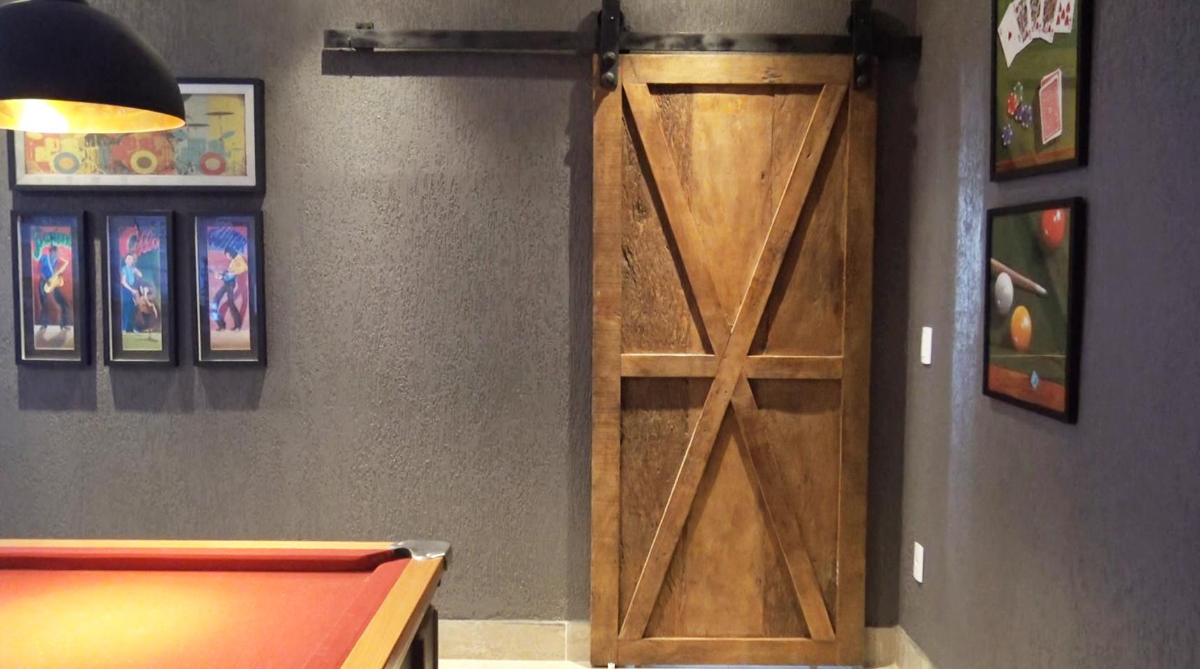 O charme da madeira de demolição e como usá-la corretamente em sua casa – Portas de Demolição